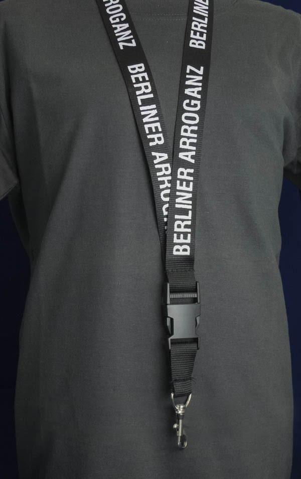 Berliner Arroganz Schlüsselband schwarz weiß